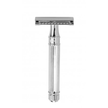 Double edge safety razor, chrome plated.